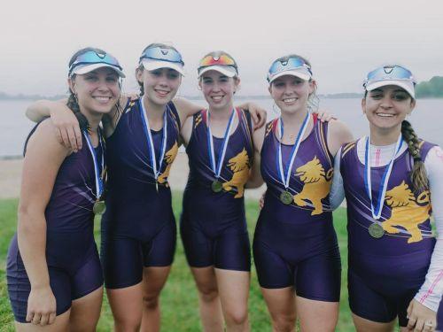 Girls coxed Senior rowing crew